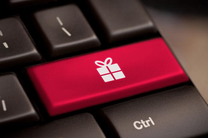 holiday social media